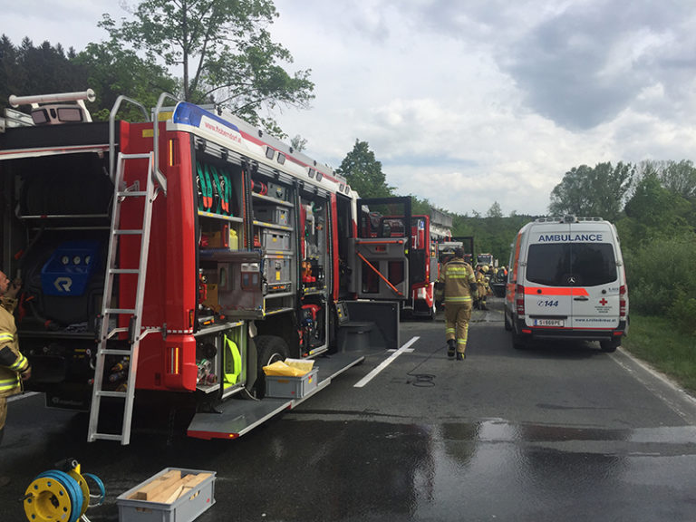B156: Schwerer Verkehrsunfall in Weitwörth