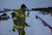 Weitere Schneeräumarbeiten für die Feuerwehr