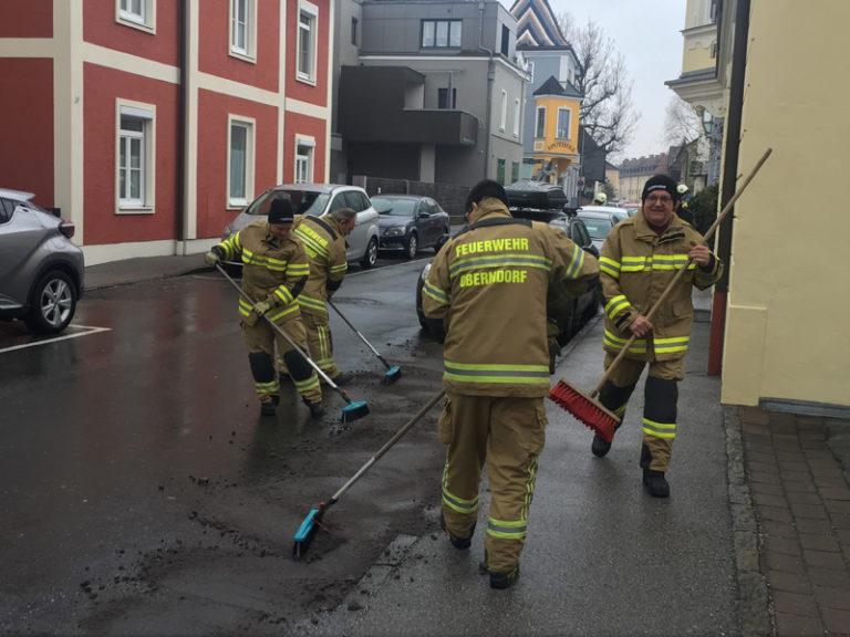 Ölspur in der Watzmannstraße